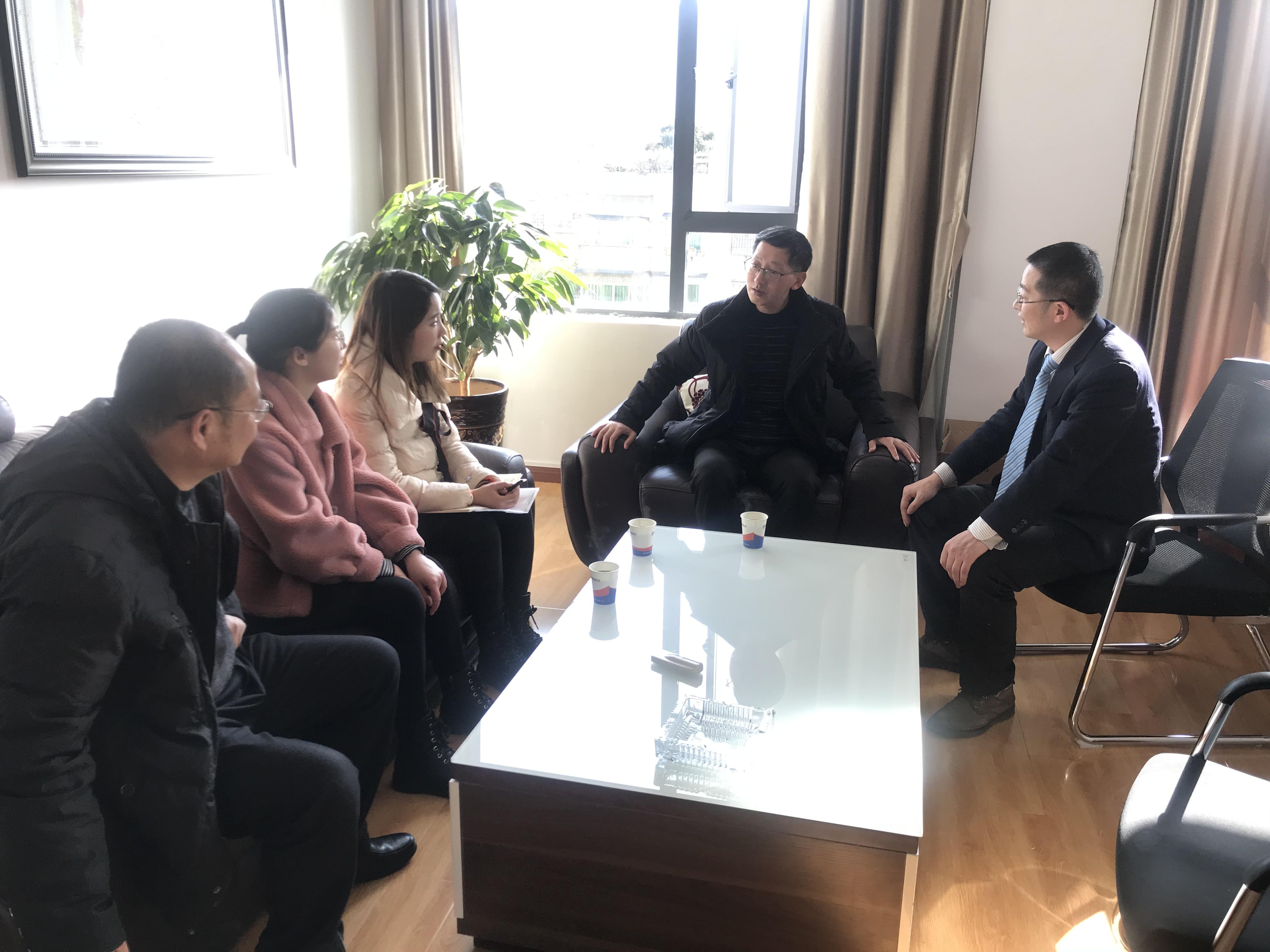 市人社局领导看望慰问市学术技术带头人陈鸿志